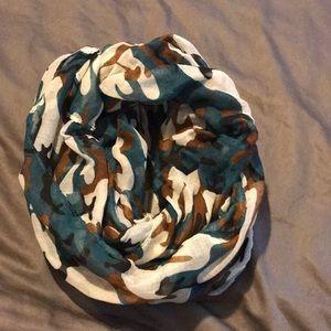 Accessories - Camo scarf